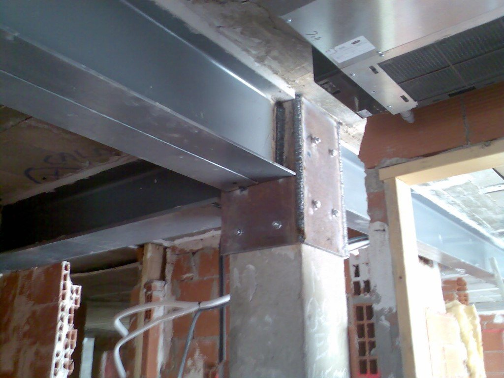 Structural reinforcement for an apartment building 20574